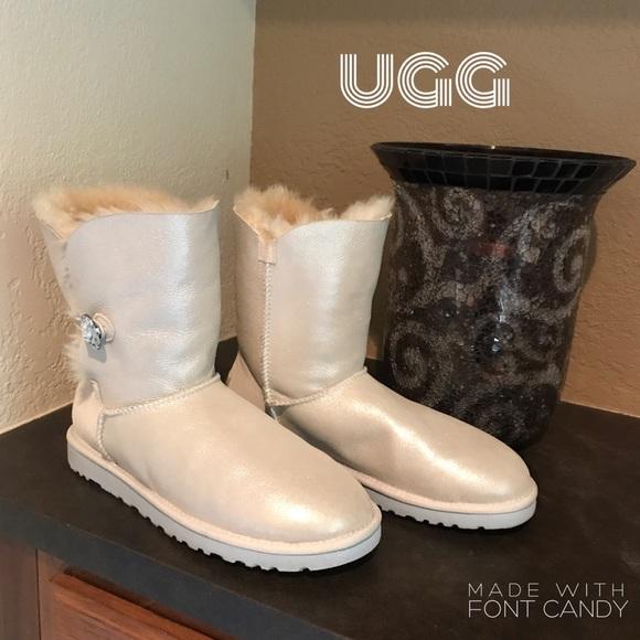 6ee331e28bc UGG Boots I Do white